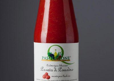 passata di pomodoro a pera tradizionale abruzzese